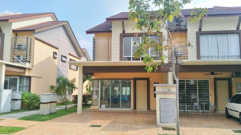 Double Storey Terrace D'16 Residence