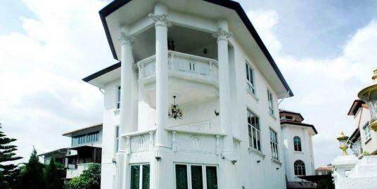 Three Storey Bungalow in Section 8 Shah Alam